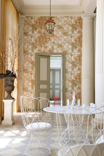 «Квартирный вопрос»: как по-модному оформить стены обоями?