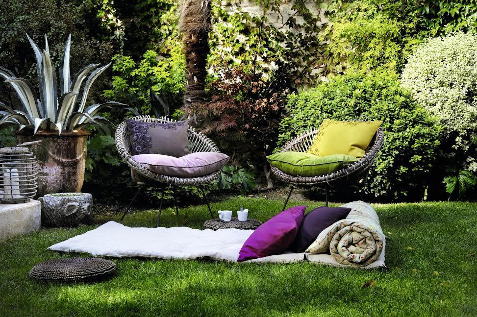 как преобразить балкон или сад с помощью модного текстиля?