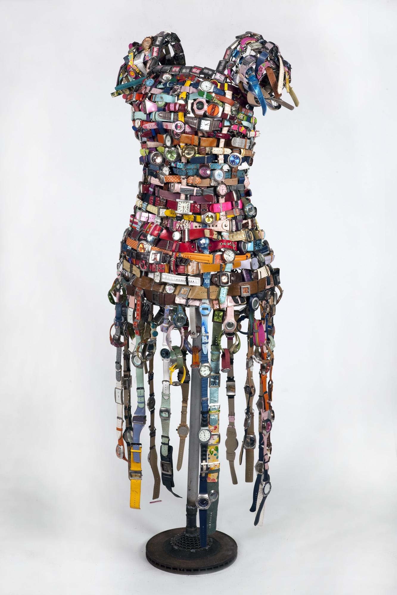 «Рамат-Авив» представляет выставку платьев