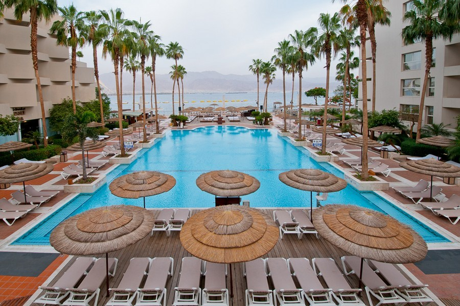 u-suites-eilat-pool-1