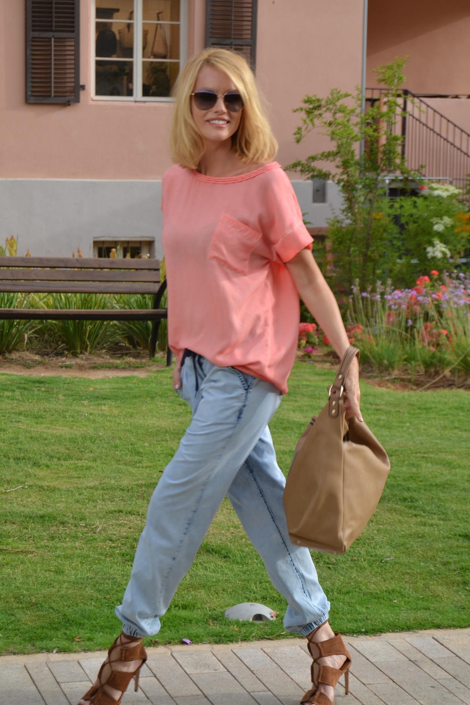 Crazy Line: скидки на летние блузки и съемки новой коллекции