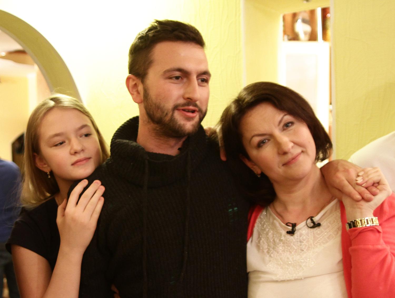 Компания Безек Бейнлеуми организовала трогательную встречу одинокого солдата c его семьей, живущей в России