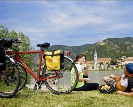 Велокруиз вдоль берегов Дуная – идеальный подарок к бар/бат мицве!