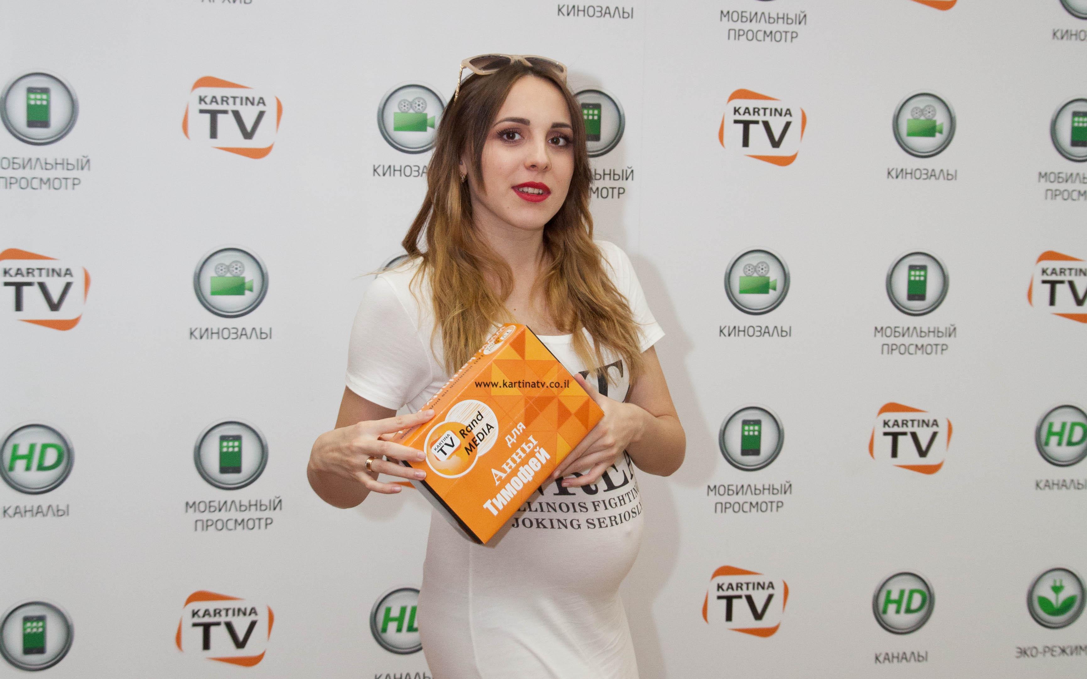 В гостях у KartinaTV финалистка конкурса The X Factor в Израиле – Анна Тимофей