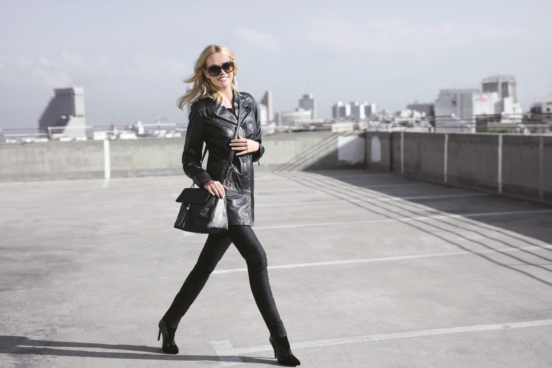 Кожаная коллекция Crazy Line: байкерские куртки на молнии, классические длинные пальто, короткие элегантные жакеты
