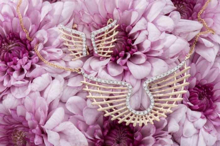 Красивые крылья всегда в моде