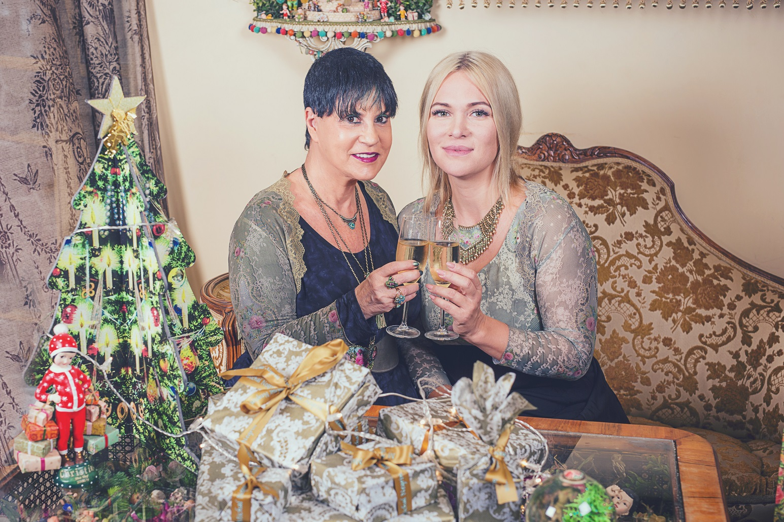 Как прожить Новый год в волшебном мире сказки и мечты? Праздничные пожелания от Михаль Негрин и Виктории Макарской