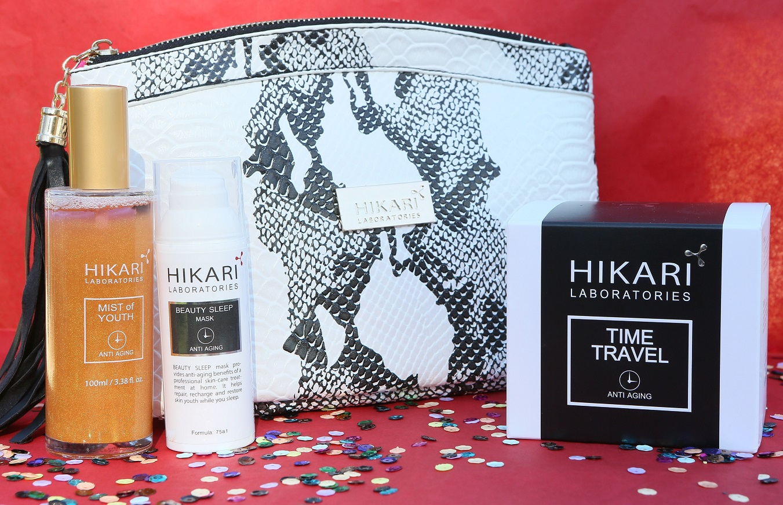 Новогодний подарочный набор от Hikari: пептидный крем, маска и дымка в фирменной сумочке — за 499 шек (вместо 890)