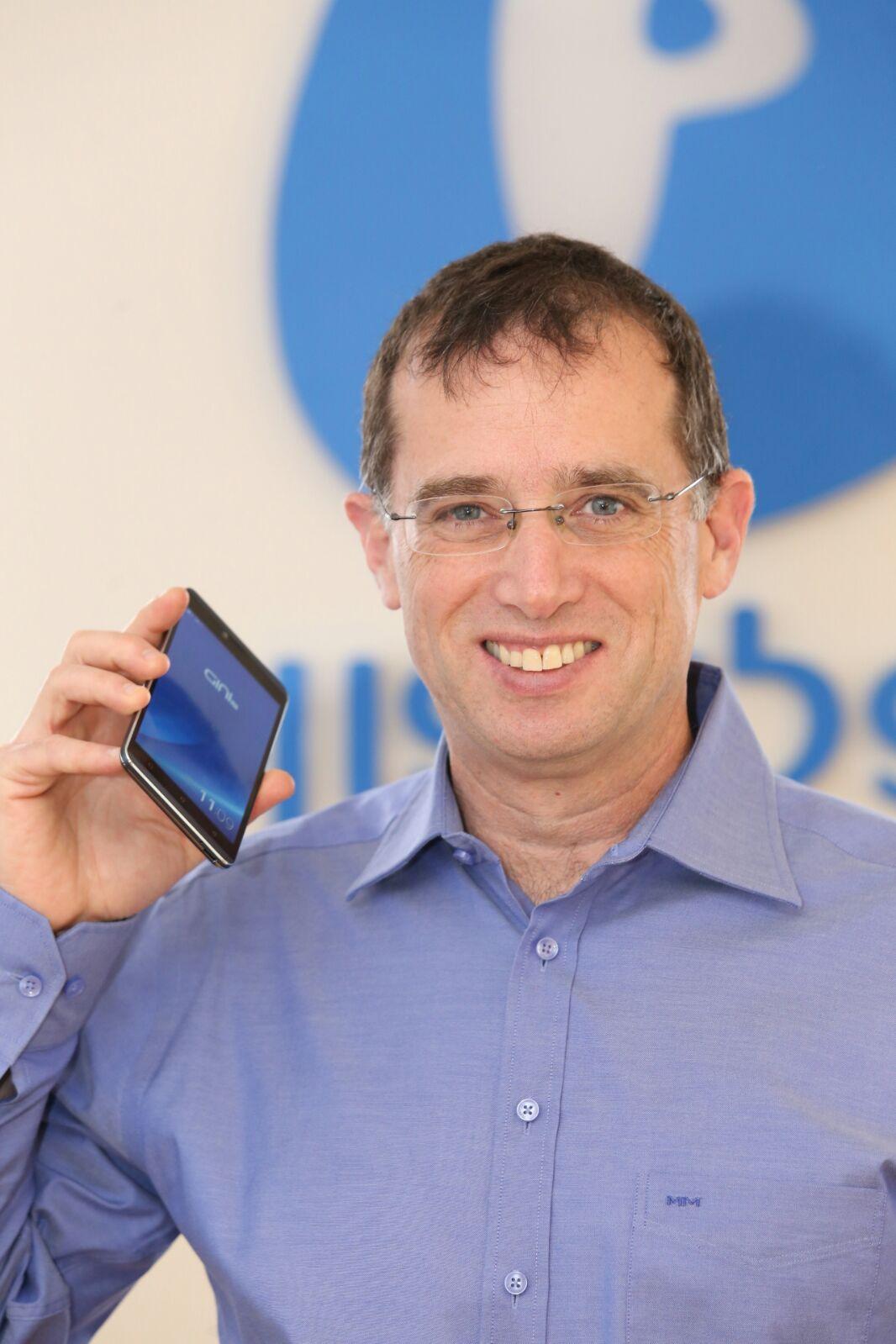 """""""Пелефон"""" запускает на израильский рынок """"GINI"""" – новую марку смартфонов"""