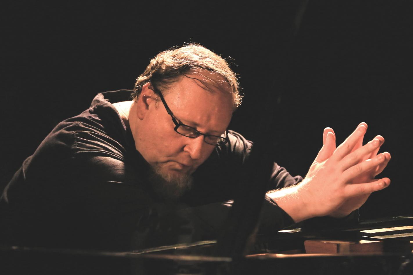 Джазовый пианист-авангардист Симон Набатов впервые в Израиле – концерт на фестивале «Джаз-Глобус» в Иерусалиме