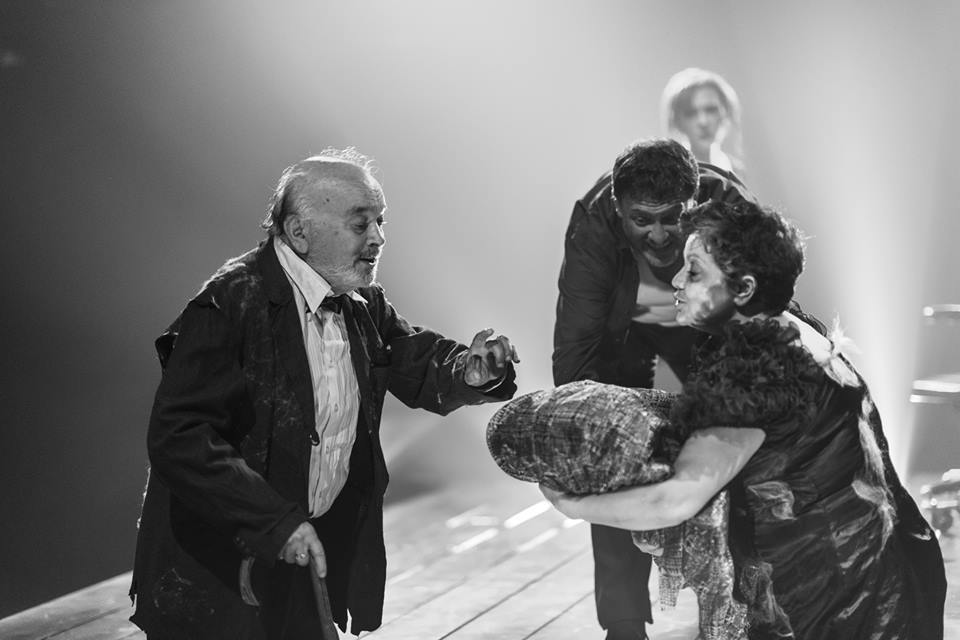 Спектакль Стулья театра Маленький - фото Ольги Дубовой