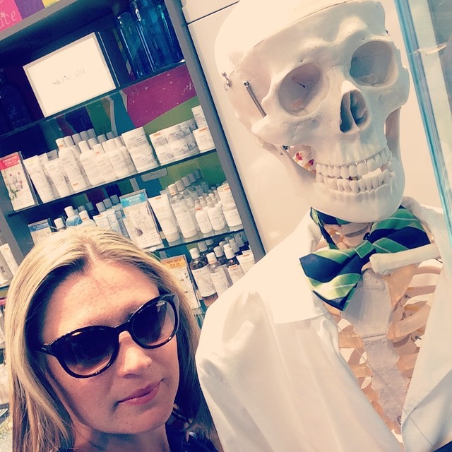 Американский Мистер Скелет от Kiehl's в Тель-Авиве