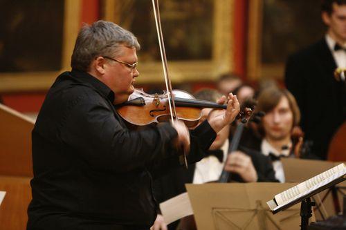 Гастроли Сергея Стадлера в Израиле с 7 по 14 мая: мистерия Моцарта и Паганини в исполнении выдающегося скрипача