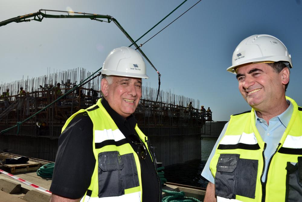 Министр Исраэль Кац посетил строящийся хайфский порт