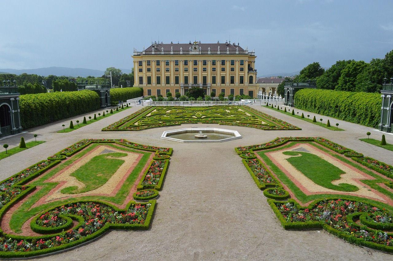 Дворец Шенбрунн – великолепное наследие династии Габсбургов