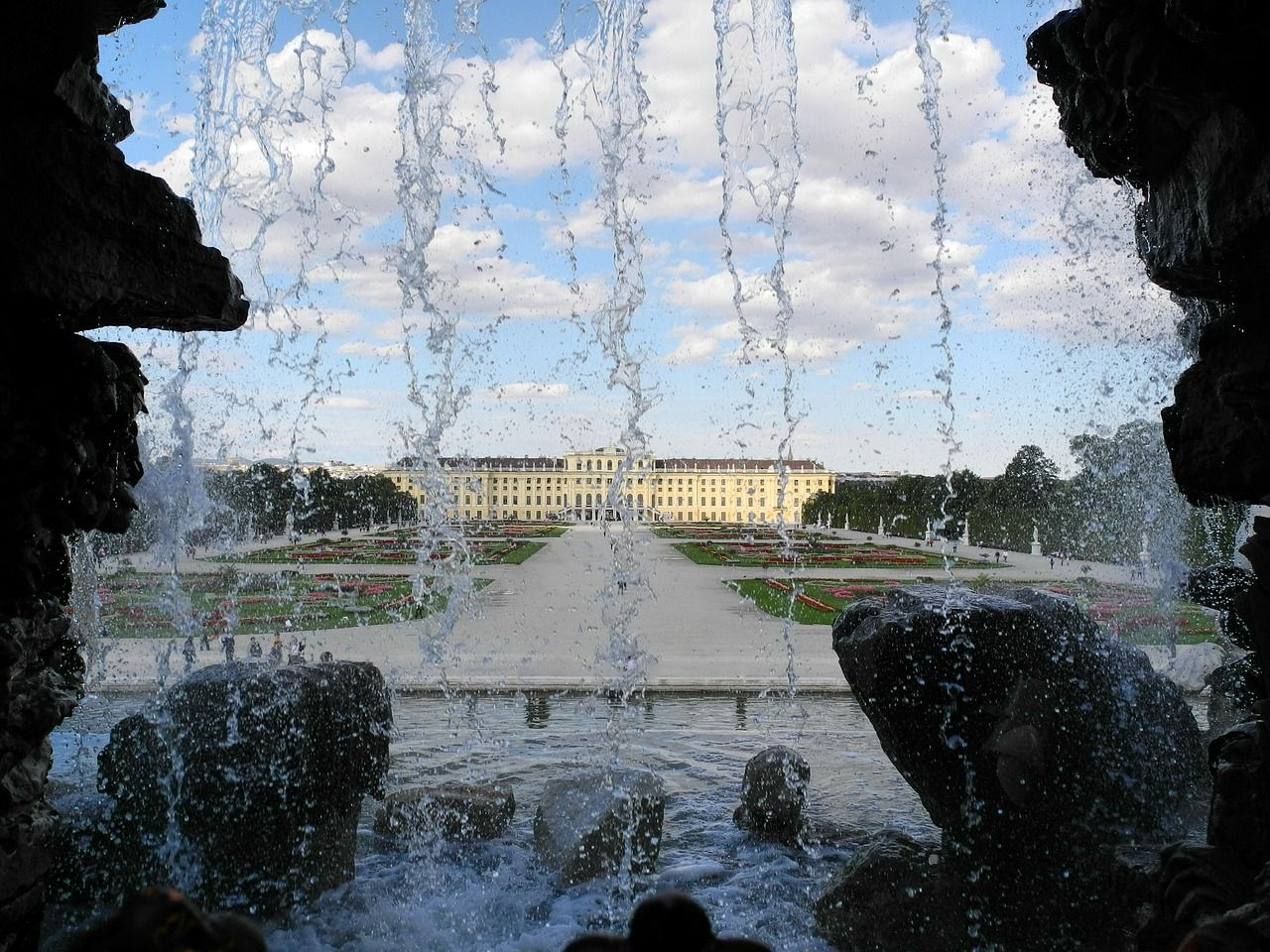 schonbrunn cruise danuba july5