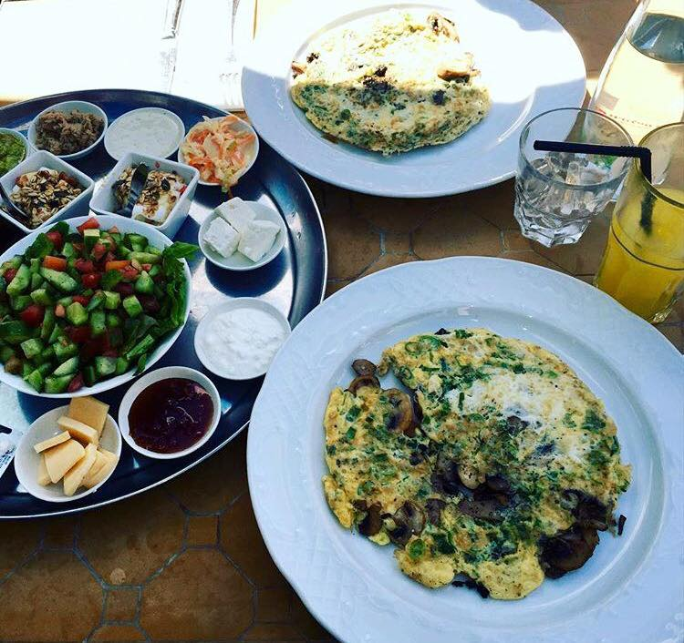 Израильский завтрак: утренний пир королей