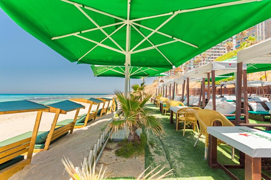 В ресторан – на… пляж