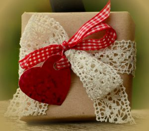 gift-1196241_960_720