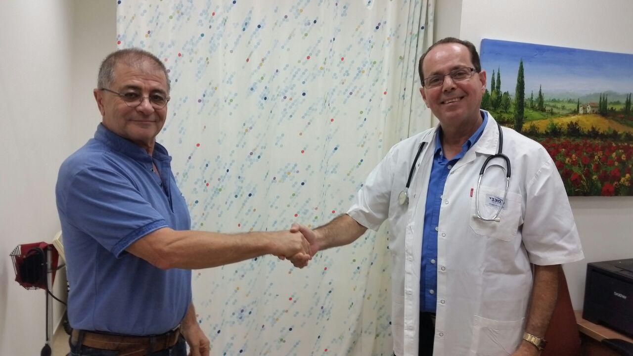 """Благодаря внимательности врача """"Маккаби"""" спасена жизнь пациента из Йокнеама"""