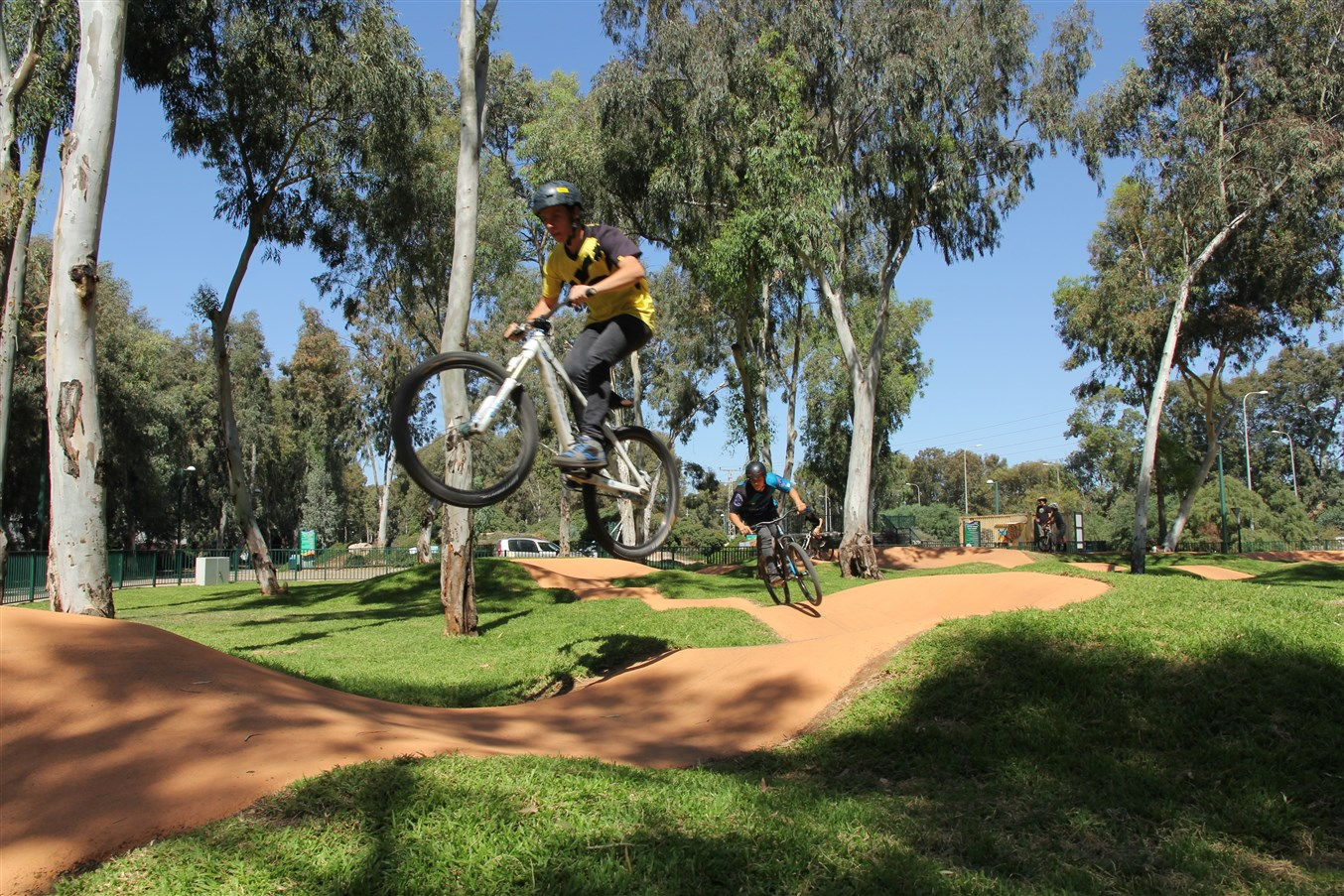 """Важная новость для любителей экстремальных видов спорта – в Хайфе откроется велосипедный комплекс """"Памп-трек"""""""