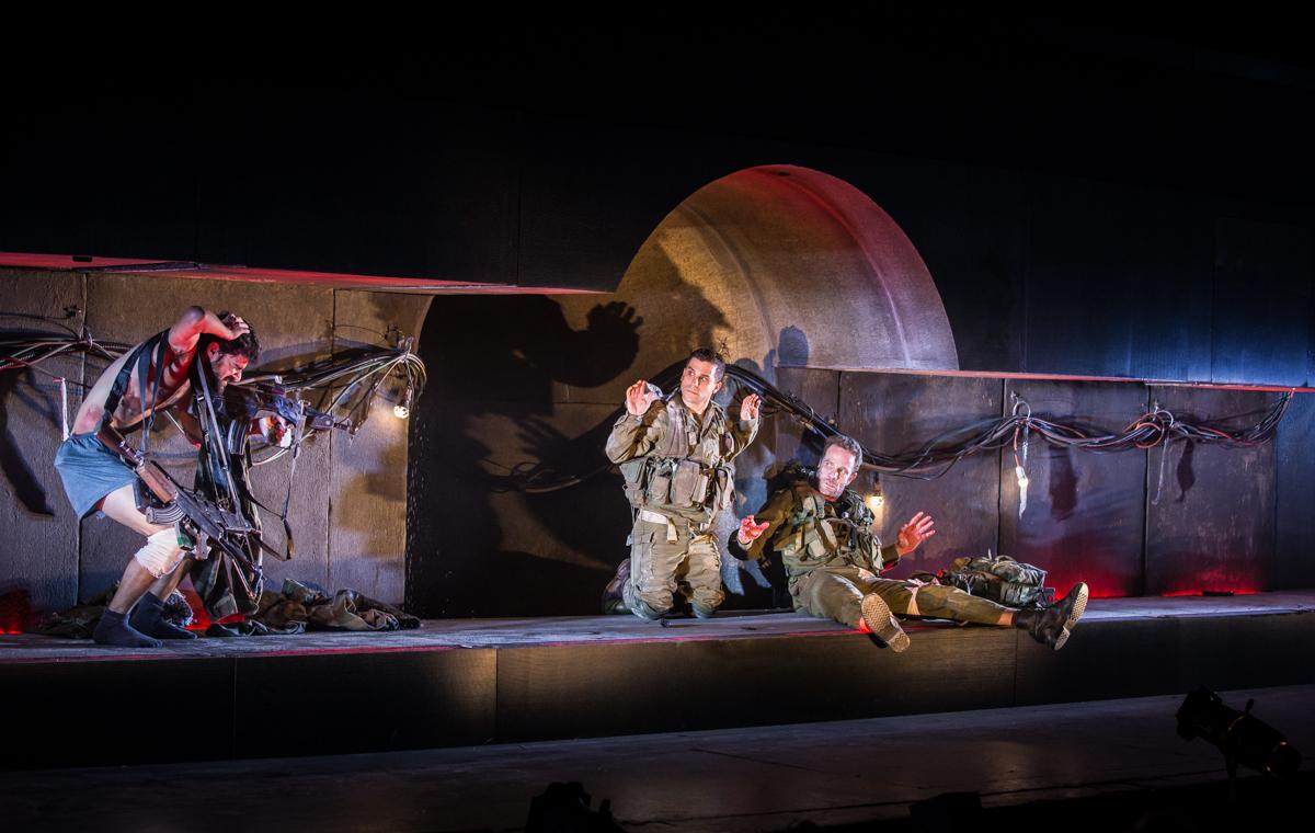 «В туннеле»: спектакль-шедевр по мотивам оскароносного фильма