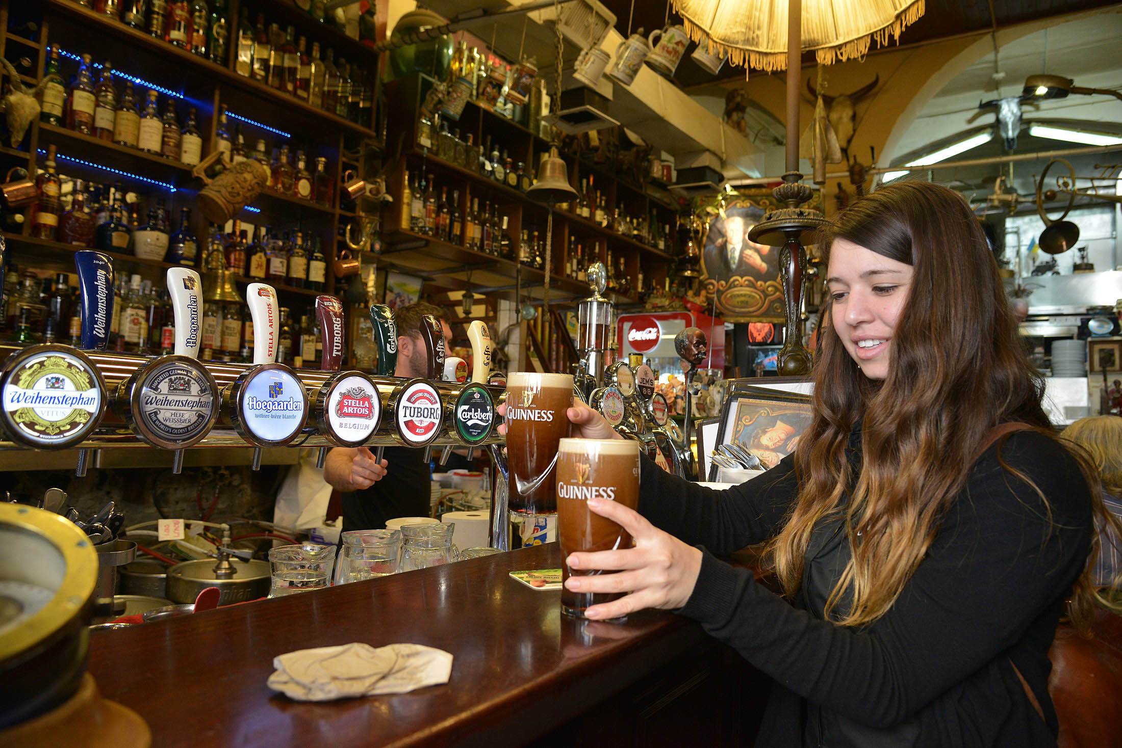 """A Lovely day for a Guinness"": увлекательный и вкусный тур по лучшим пабам Хайфы"