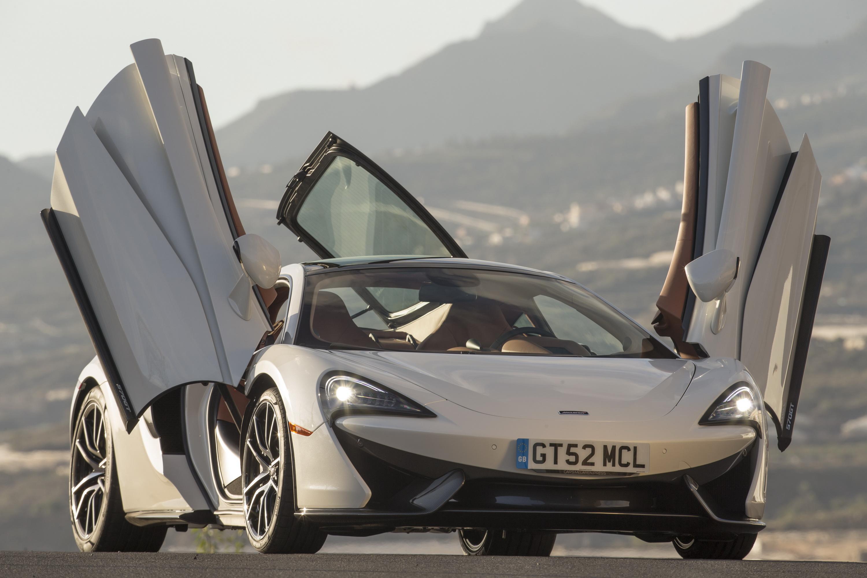 Суперкар McLaren 570GT приедет на автосалон в Тель-Авиве прямо с английского завода