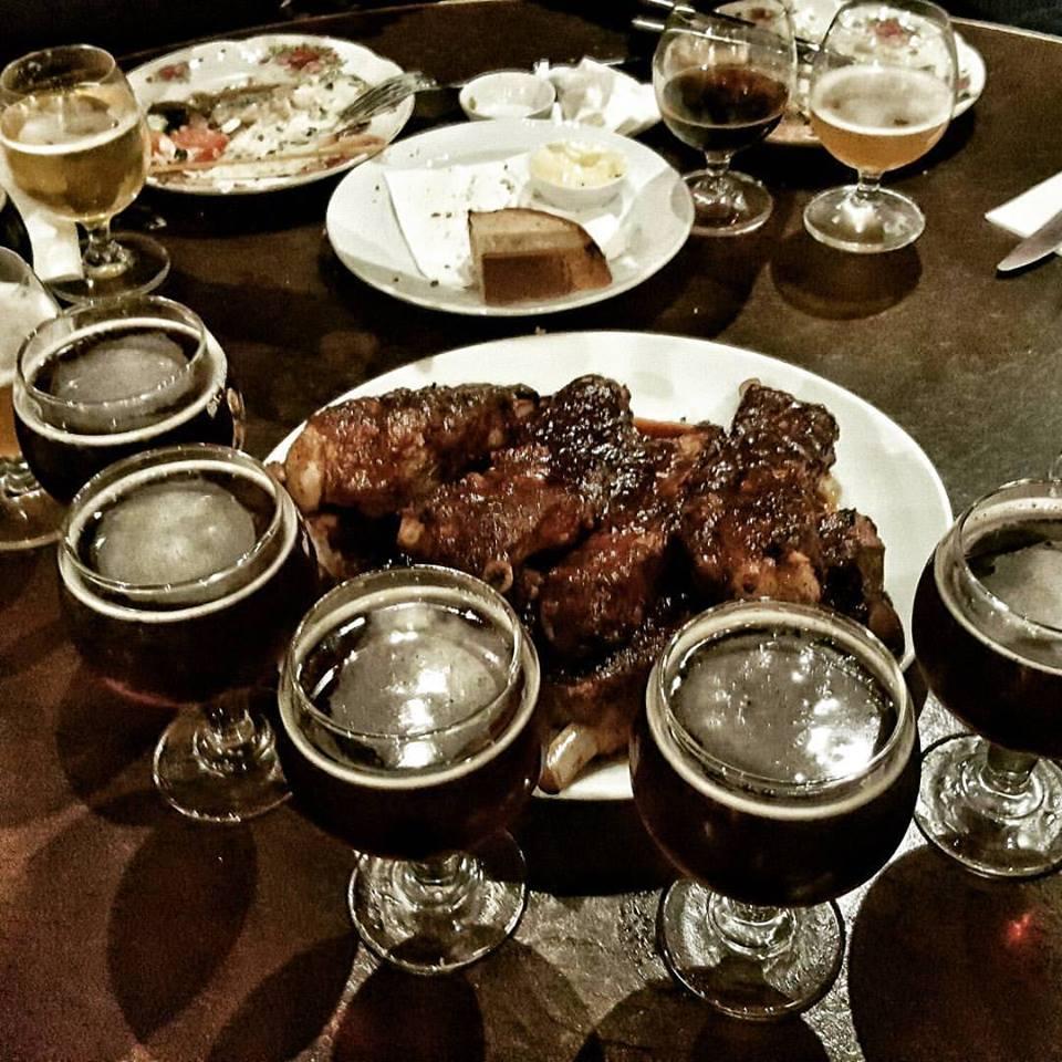 Ужин в тель-авивском ресторане с атмосферой лондонского паба