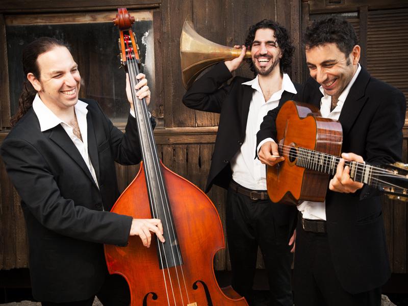 «Гитара в стиле цыганский джаз» на фестивале Фелиции Блюменталь: Стефан Рембель и Swing De Gitans