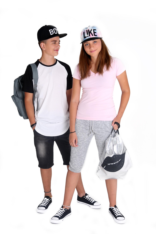 חולצות בית ספר סלקשין צילום ליקו דיזיין