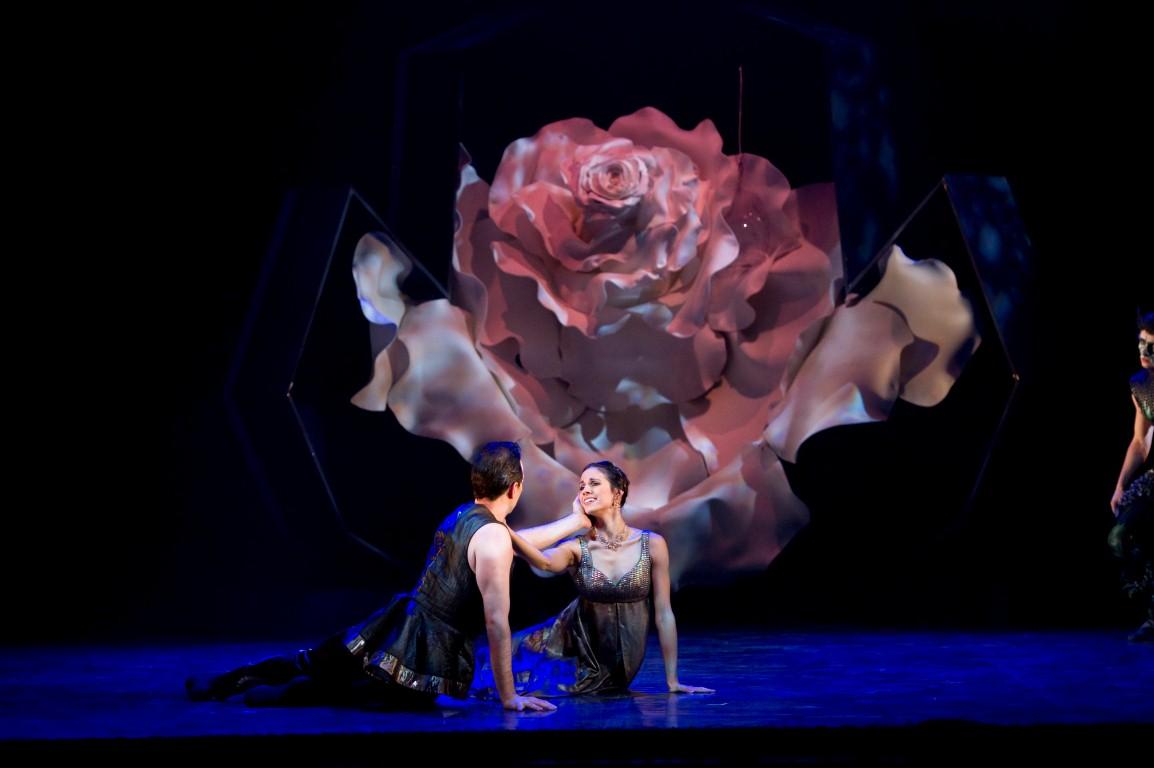 «Красавица и чудовище» — постановка для всей семьи от Дэйвида Никсона и Израильского балета
