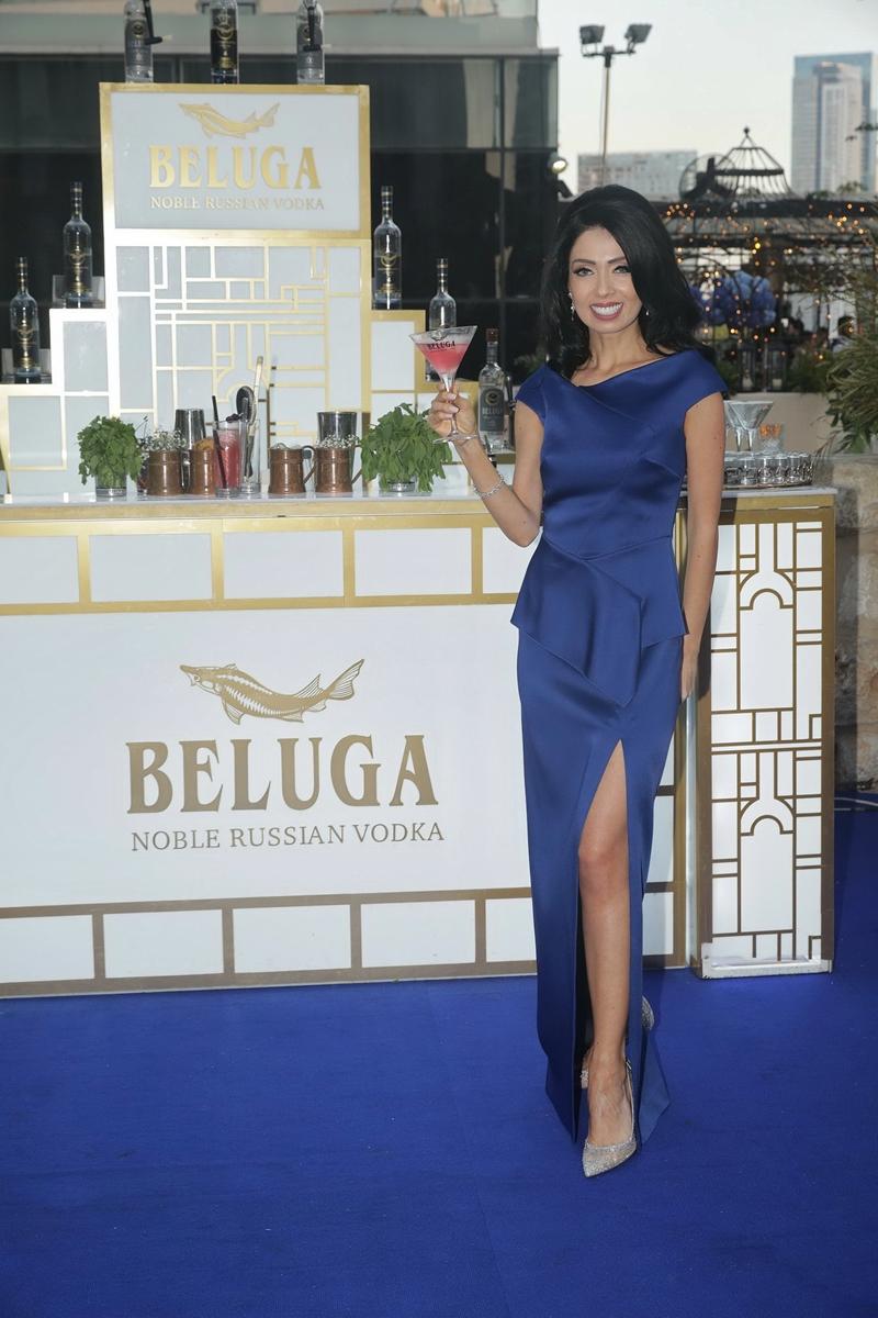 Огромный бриллиант и хрустальная бутылка водки за 30 000 шек для Николь Райдман