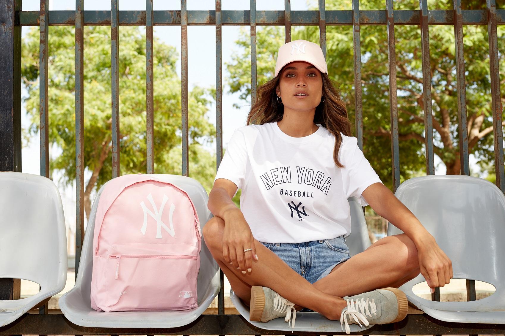 Back to School: модный бренд New Era напомнил о школе