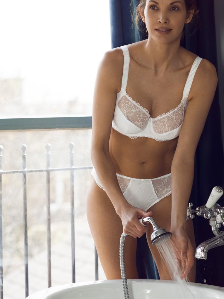 47d9b20be405 Новая коллекция нижнего белья от сеть бутиков Leia London – Glamur ...