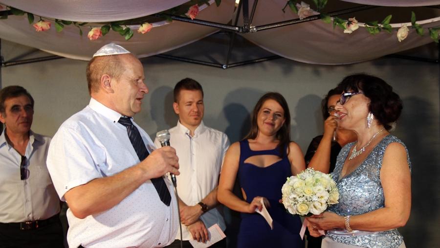 Быть евреями: невзирая на раввинат и полицию