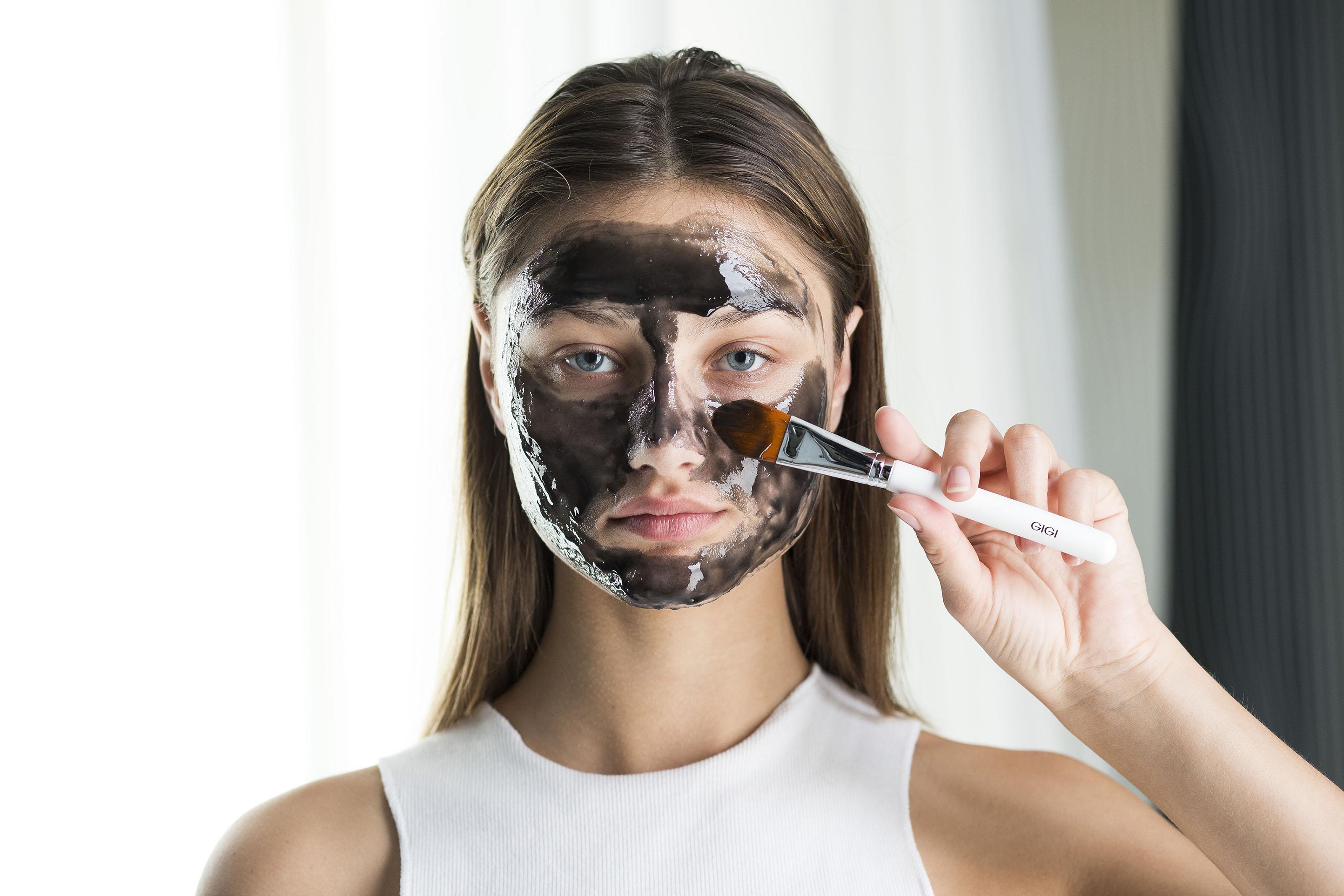 Новинка от Лаборатории GIGI- черная маска- пленка с активированным углем!