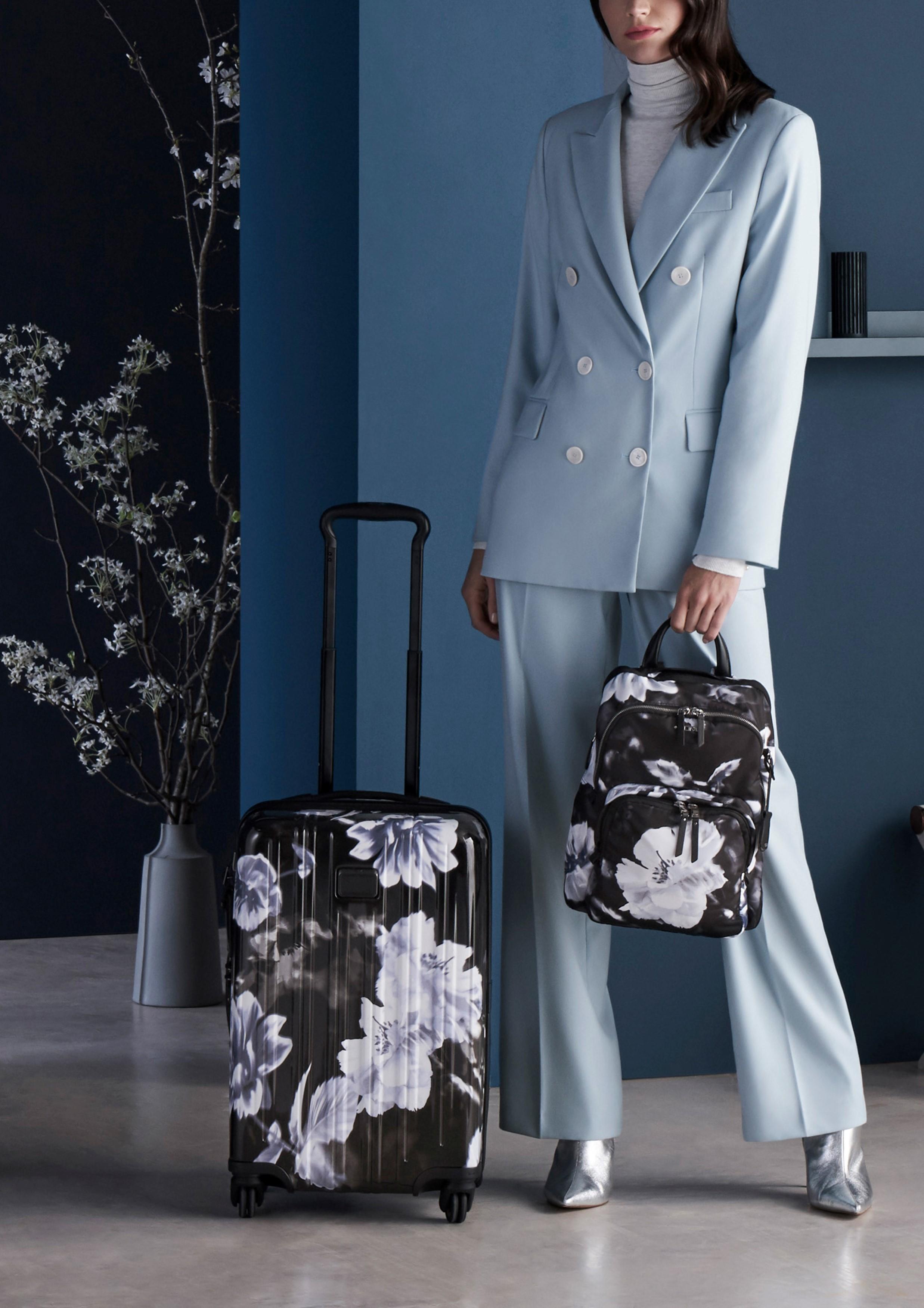 Новая коллекция сумок и аксессуаров бренда Tumi