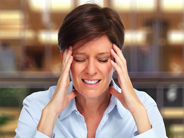 Мануальный терапевт Борис Шильман: как избавиться от головной боли и мигрени?