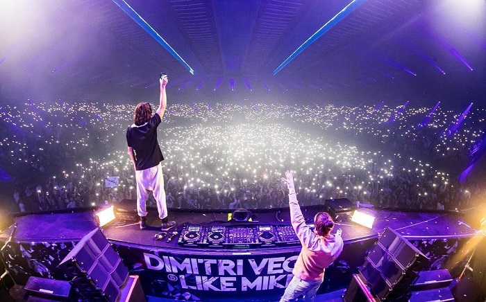 Песах, Live Park и Dimitri Vegas & Like Mike
