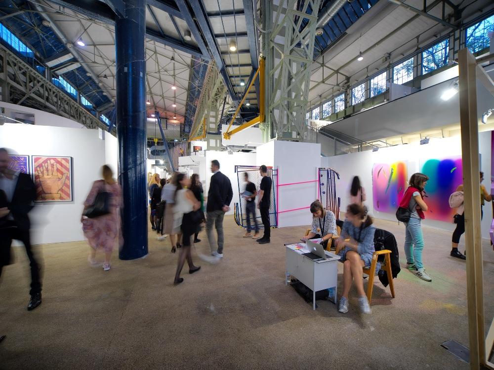 Произведения современного искусства Венгрии будут представлены на ежегодной выставке «Свежая краска»