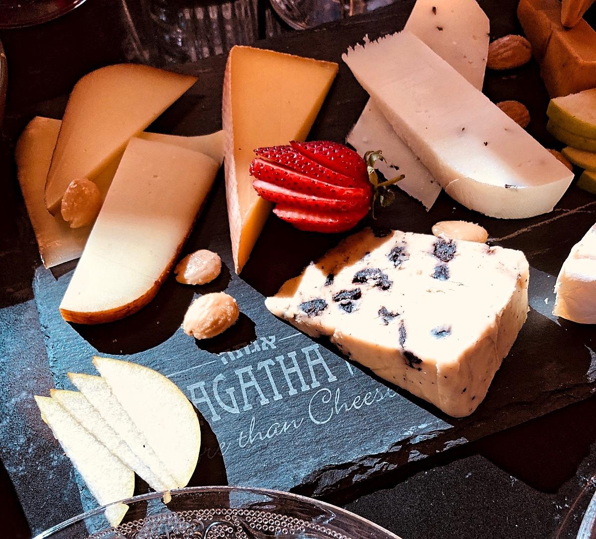 В AGATHA уже боле 600 видов твердого сыра из Европы!