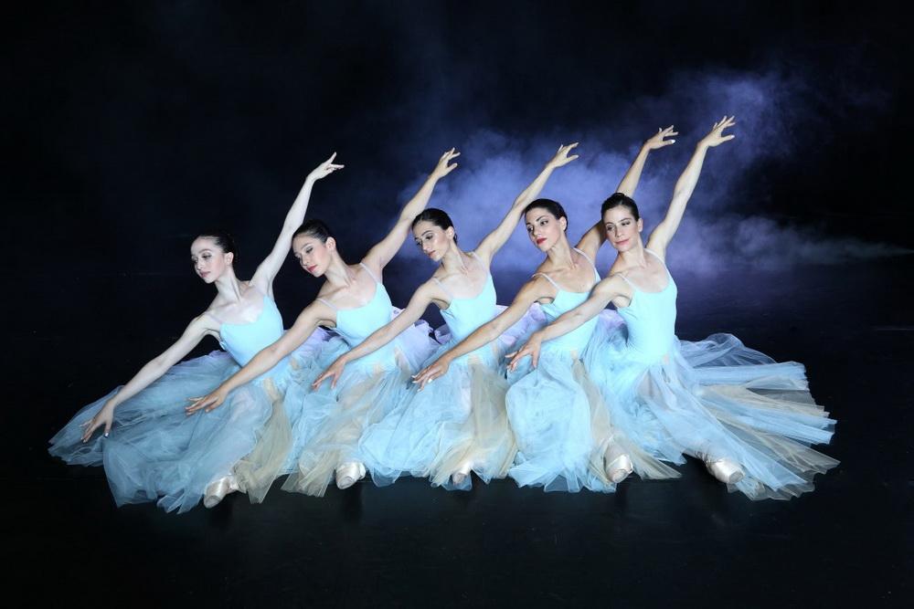 Четыре мастера, два балета, одна сцена. Новый спектакль «Четверо» Израильского балета