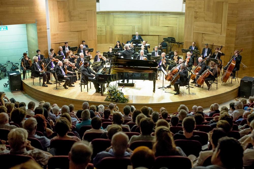 «Семейные истории» нового сезона оркестра «Симфонет Раанана»