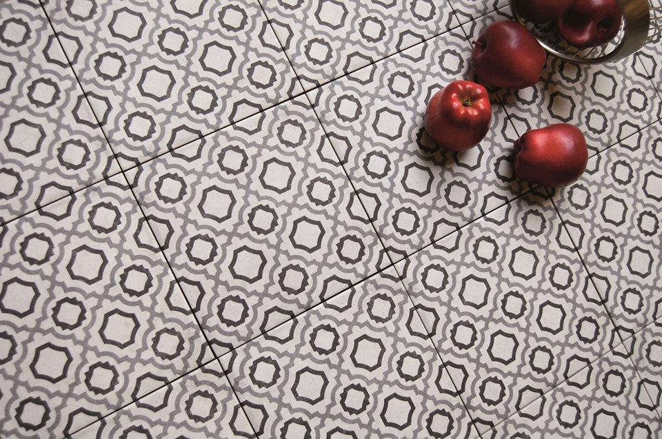 Цветная плитка гранит порцелан – тренд, который пришел в дизайн и остался надолго.