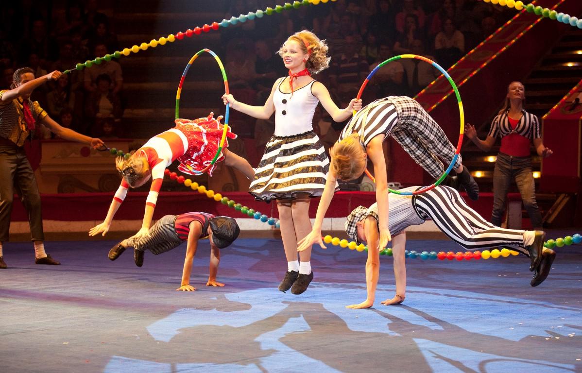 «Балаган в цирке» – это больше, чем цирк. Это цирк, рэп и оркестр!