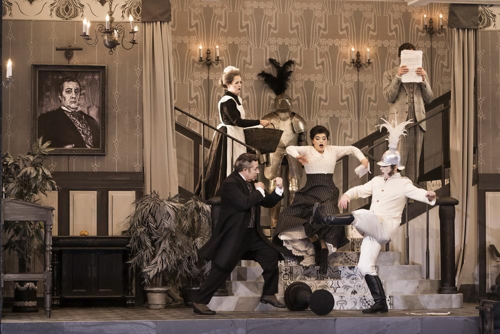 «Севильский цирюльник» Россини – новая постановка в духе старого доброго Голливуда