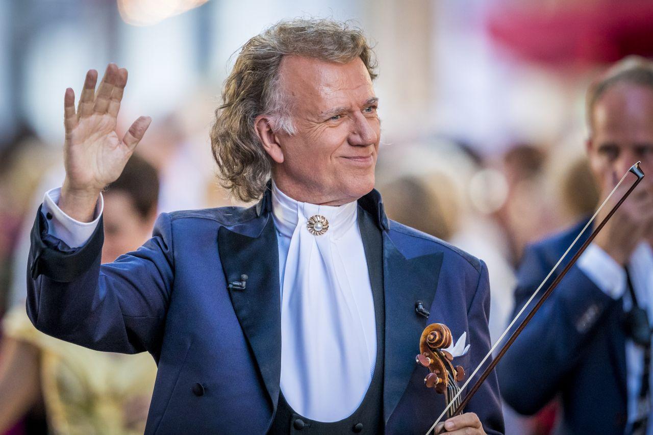 Неподражаемый скрипач и дирижер Андре Рье и его оркестр возвращаются в Израиль с новой программой!