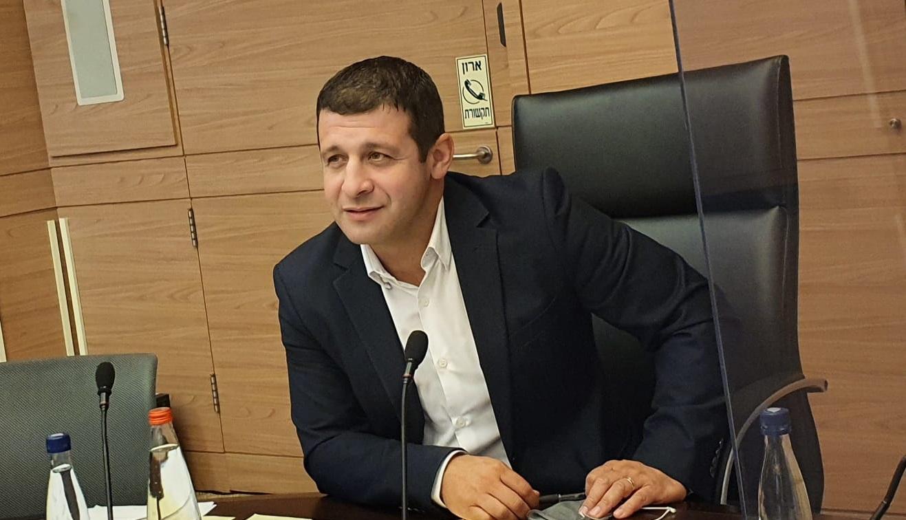 Депутат кнессета Алекс Кушнир (НДИ): нашлось временное решение проблемы финансирования репатриантов-деятелей искусств.