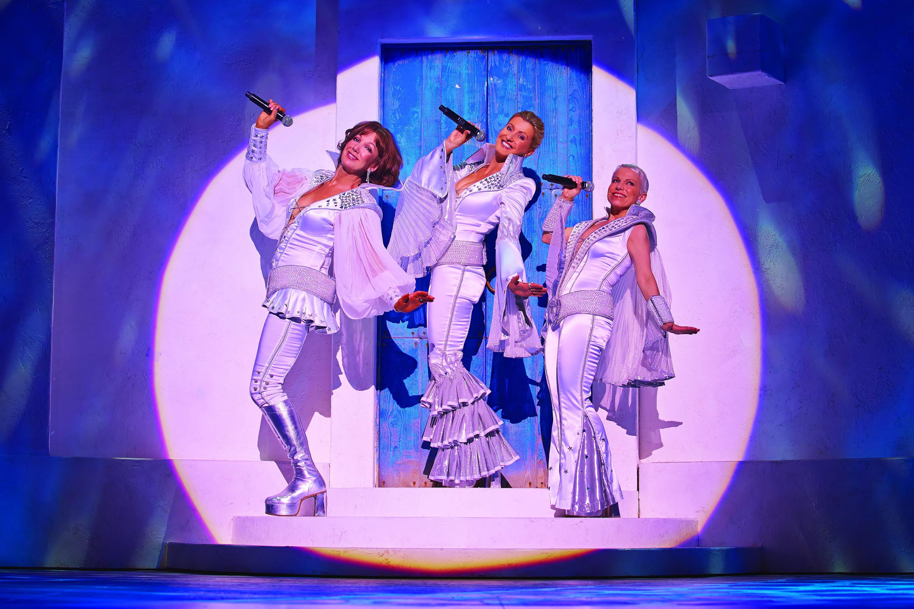 Легендарный мюзикл «Mamma Mia!»  вновь в Израиле